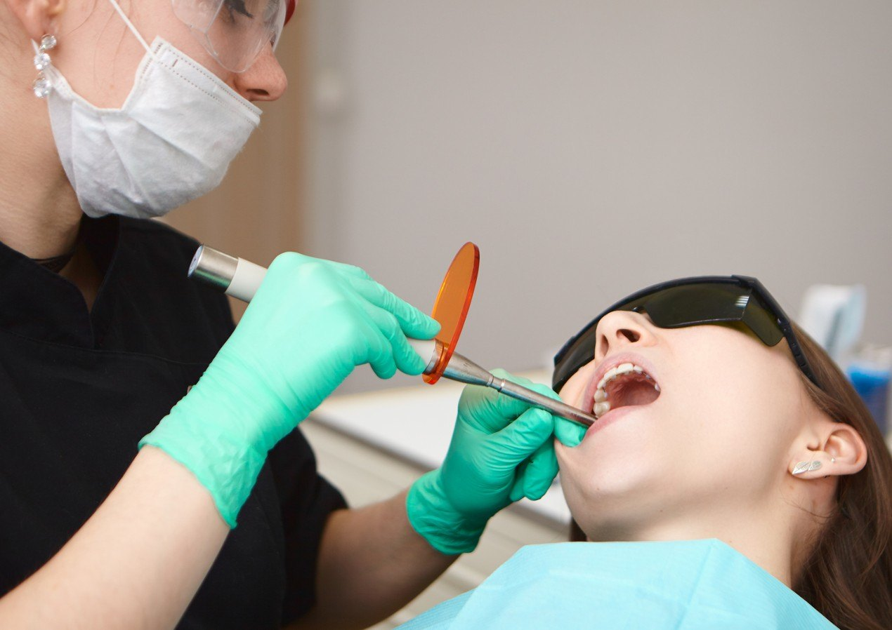 din-cabinetul-dentistului-compozitul-dentar