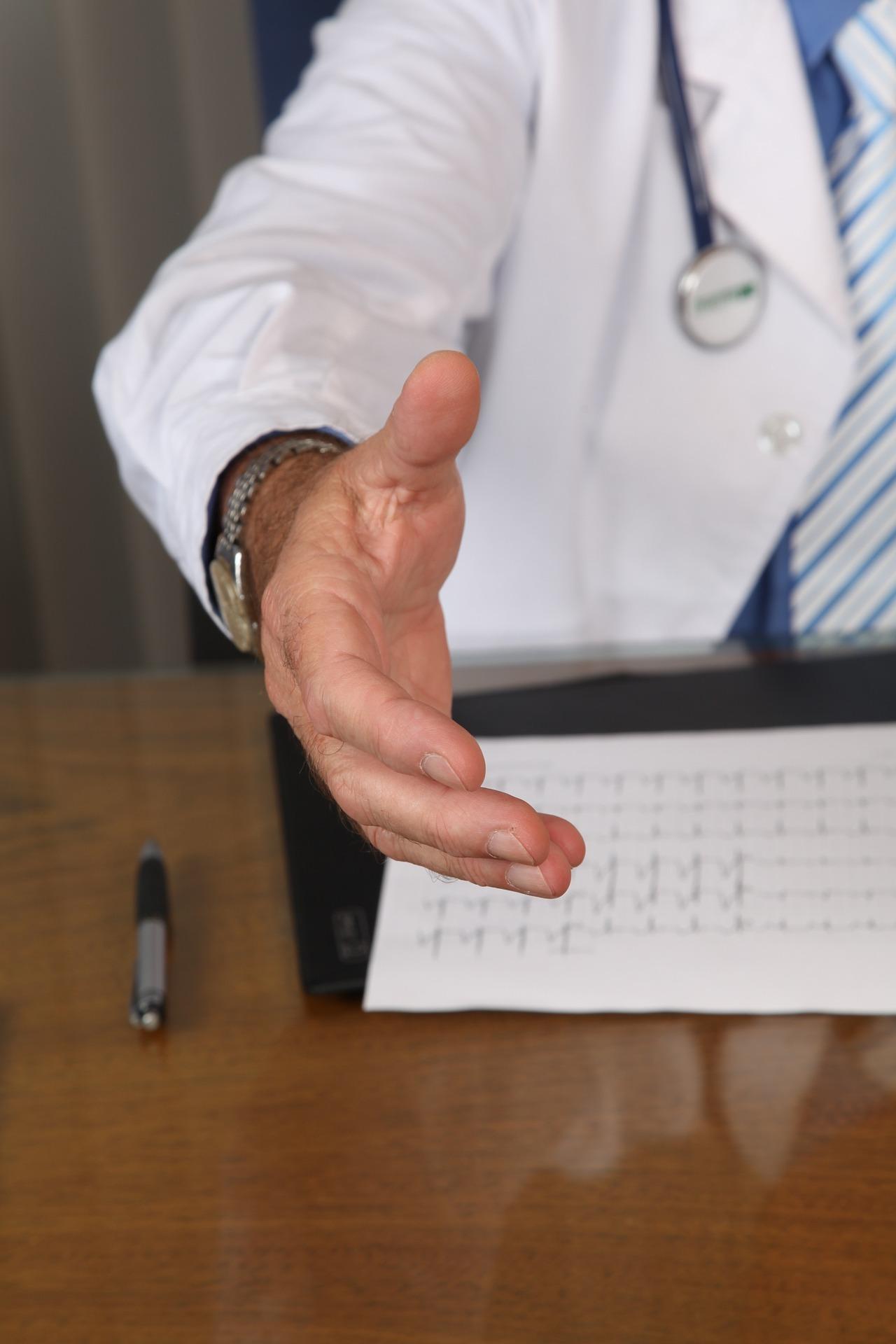 comunicarea-medic-pacient-elemente-care-eficientizeaza-procesul-comunicarii