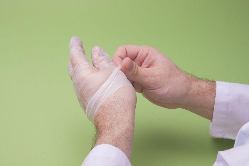 manusile-medicale-din-latex-cauze-ale-reactiilor-alergice-si-alternative-de-succes